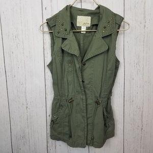 Daytrip vest size L